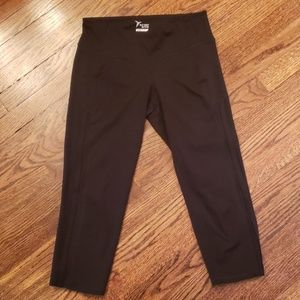 Old Navy Active Black Capri Leggings